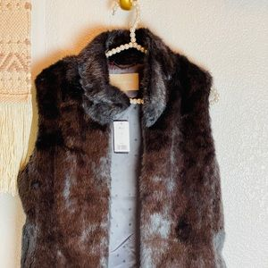 Banana Republic faux  fur women's vest